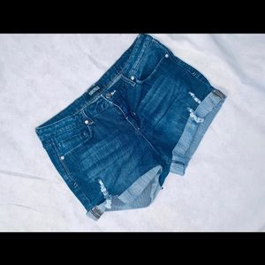 Forever 21 Plus Distressed Shorts 12/14